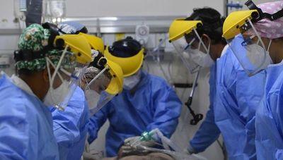 Total de fallecidos ya supera los 2.500 y hay otros 512 nuevos contagiados, con hospitales llenos
