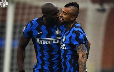 Inter le da un golpazo a la Juventus y trepa a la cima