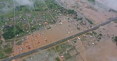 La Nación / Muchas familias se vieron afectadas después de la intensa lluvia caída