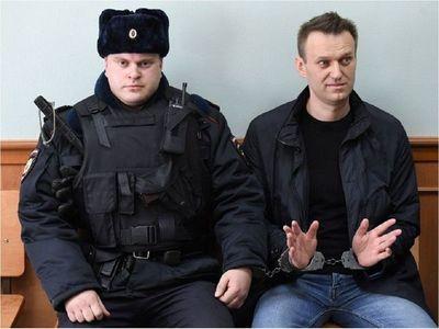 El opositor ruso Alexéi Navalni, detenido al llegar a Moscú