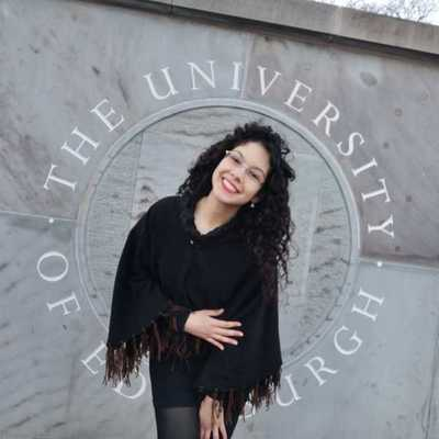 Joven profesional esteña culmina maestría en prestigiosa universidad del Reino Unido