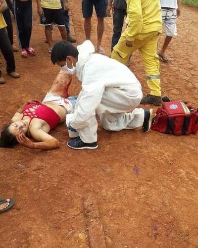 Mujer casi muere desangrada tras ser apuñalada durante ronda de tragos