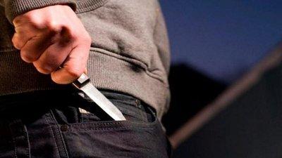 Atacan a adolescente para robarle su celular