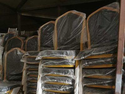 Robaron 100 sillas de lujo por valor de G. 11 millones