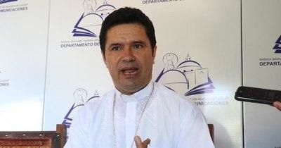 """La Nación / Monseñor se lanza contra influencers que andan en el """"vyrorei"""""""