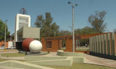 HOY / Gobierno emite decreto que reglamenta arancel cero en universidades públicas