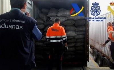 Hallan 2 toneladas de cocaína en bolsas de carbón enviadas a España