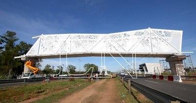 """La Nación / Rejala: """"Es insensato construir un puente de ñandutí por US$ 2 millones cuando faltan camas"""""""