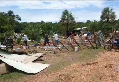 26 viviendas de humildes familias fueron derribadas por el agua