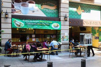 Ciudad de México reabre terrazas de restaurantes pese a que covid no remite