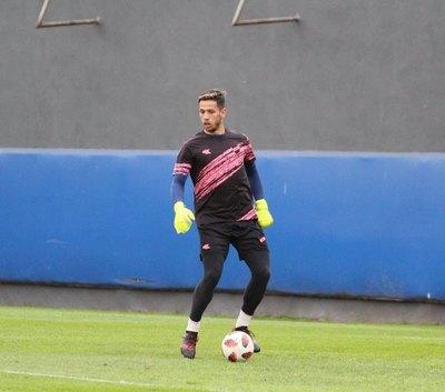 Juan Espínola confirma su fichaje por un club del extranjero