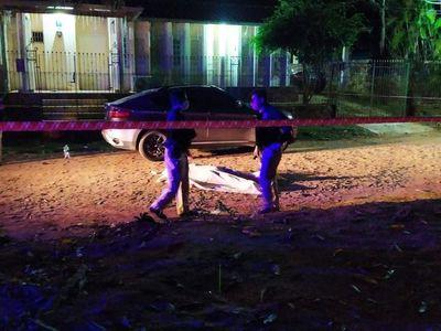 Hombre asesinado frente a la vivienda de sus suegros, que cerraron puertas a la Policía