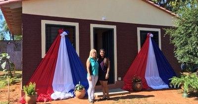 La Nación / Inauguran 153 viviendas construidas por Senavitat en Areguá