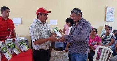 La Nación / Gobierno entrega insumos para fomentar agricultura familiar