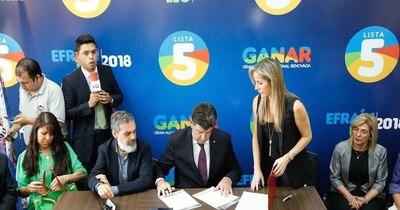La Nación / Alegre presentó decretos que firmará, si llega a la Presidencia