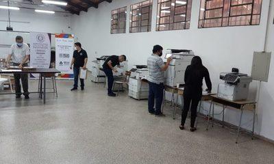 Postulantes a becas aguardan resultados – Diario TNPRESS