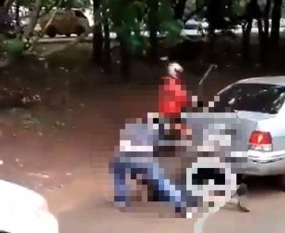 Buscan a hombre que agredió a menor en semáforo de CDE