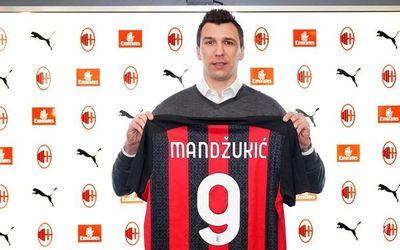 El Milan oficializó la llegada de Mario Mandzuki