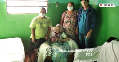 Abuelita cumplió 100 años de vida en el barrio Itá Paso