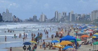 """La Nación / Sequera: """"El que no se cuida en las playas de Brasil es el mismo que no se cuida acá"""""""