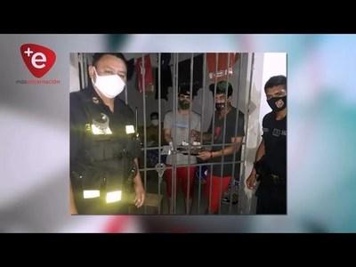 POLICÍAS DE ITÁ PASO AGASAJARON A RECLUSOS QUE ESTABAN DE CUMPLEAÑOS