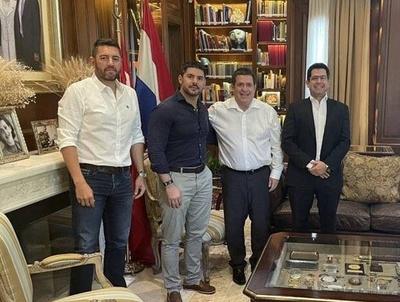 """HOY / """"Nenecho"""" obtiene la bendición de Cartes para la contienda electoral"""