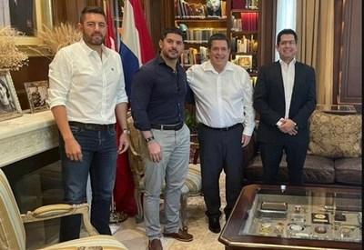 Nenecho Rodríguez recibió apoyo del movimiento de Horacio Cartes para las municipales, informó el diputado Latorre