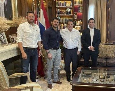 """Crónica / Honor Colorado da su apoyo a """"Nenecho"""" para las elecciones"""