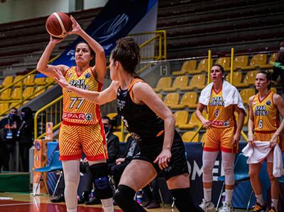 Paola Ferrari anota 11 puntos en la victoria de Spar Girona