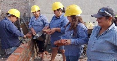 La Nación / Albañilería lidera ranking de ofertas laborales más solicitadas en enero