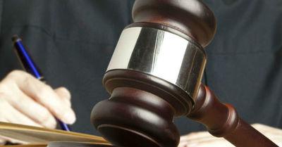 Condenan a 43 años de cárcel a una mujer por criticar al rey de Tailandia