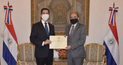 La Nación / Antonio Rivas recibió acreditación como nuevo embajador de Paraguay en Chile