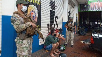 Senad detiene a dos brasileños con droga en la línea internacional