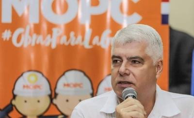 """HOY / Pasarela de oro: Wiens afirma que """"ni si pide el Papa"""" se harían """"licitaciones a medida"""" en MOPC"""