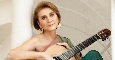"""La Nación / Berta Rojas es parte de """"Don Sergio"""", el nuevo tema del guitarrista de Maná"""