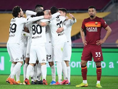 Roma se autodestruye contra el Spezia