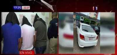 Capturan a supuestos robacoches y recuperan vehículo
