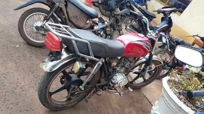 Recuperan otra moto robada por otro menor