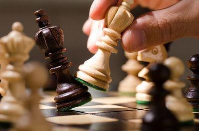 """""""Gambito de dama"""", la novela que bebe del maridaje entre ajedrez y literatura"""