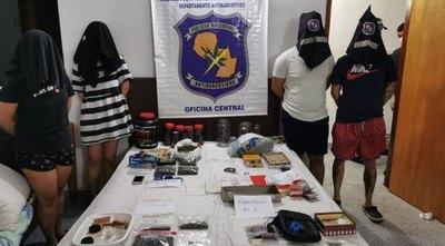 """Crónica / Detuvieron a cuatro jóvenes por venta de droga """"Vip"""""""