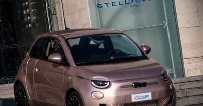 La Nación / Peugeot y Fiat se fusionan para formar Stellantis, cuarto grupo automovilístico mundial