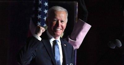 La Nación / Joe Biden toma posesión como presidente de EEUU