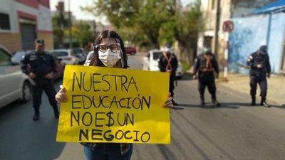 Arancel Cero: reglamento firmado por Abdo viola ley, dicen universitarios