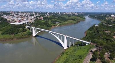 Unas 300 personas por día van de vacaciones al Brasil