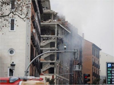 Rescatan a sacerdotes paraguayos de explosión en edificio de Madrid