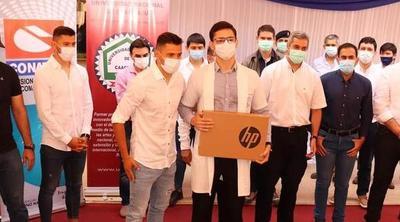 Óscar y Ángel Romero acompañaron a Marito durante acto oficial en Corone Oviedo – Prensa 5