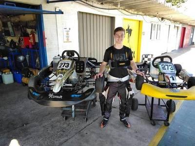 Piloto paraguayo de F4 Joshua Duerksen, realiza pretemporada en el Kartódromo de Asunción de cara a las competencias 2021