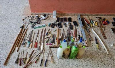 Ministerio de Justicia realizó cateo en cuatro centros penitenciarios del país