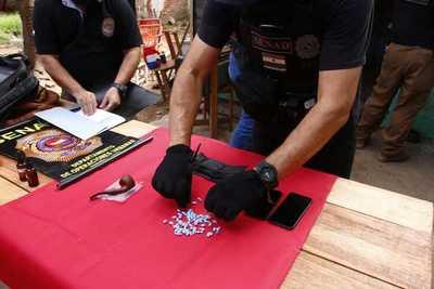 Detuvieron a una mujer con dosis de droga en su poder en el barrio Republicano