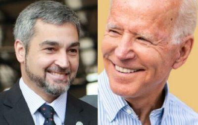 Abdo Benítez envía mensaje a Biden y Harris